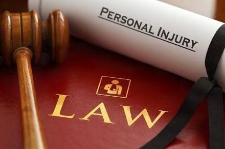 lawyers 1000803 640 1