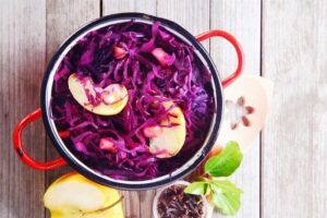 2016-11-23_58356fd3811e2_Super-Healthy-Paleo-Red-Cabbage-and-Apple-Salad