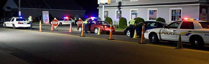 Image Source - Versageek , https://commons.wikimedia.org/wiki/File:Sobriety_checkpoint_easthaven_ct.jpg