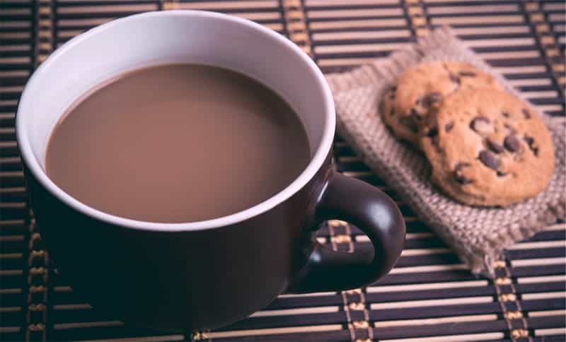 cup-of-coffee-with-chocolate-chip-cookies_800.jpg