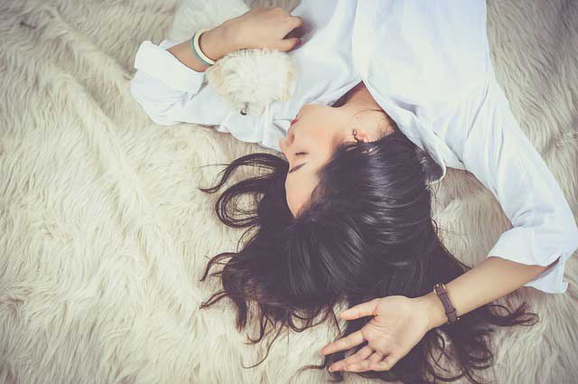 10 Factors affecting sleep and how to overcome them