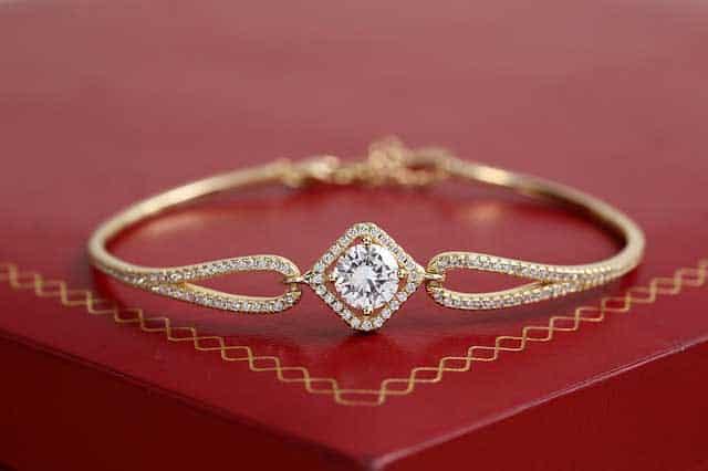 gold jewelry 3790542 640