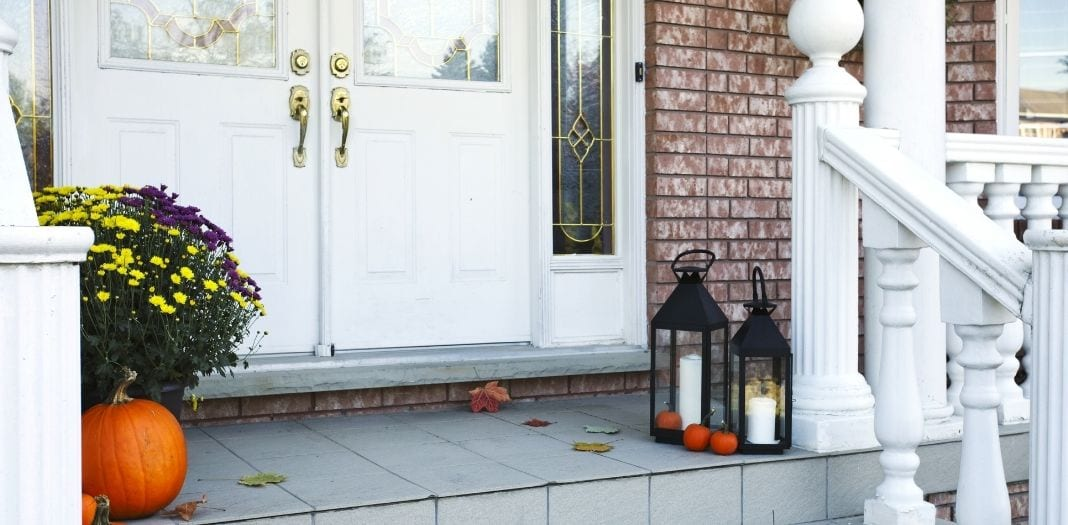 Small Ways To Improve Your Business's Curb Appeal