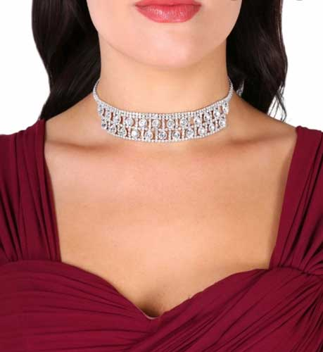 Scalloped choker