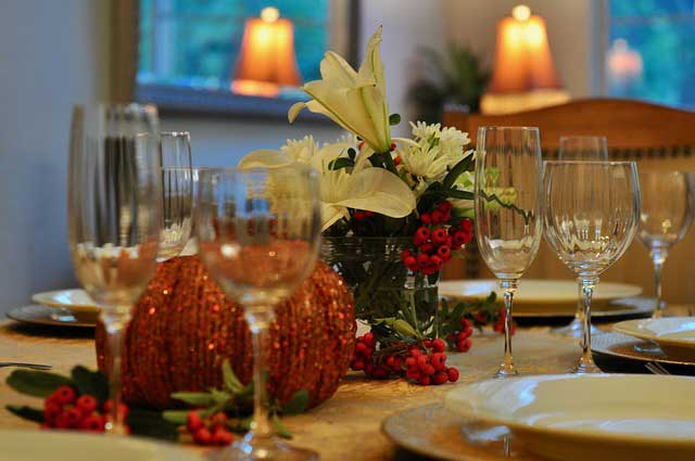 thanksgiving table 2973960 640