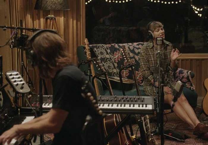 Top 5 Best Moments From Taylor Swifts folklore the long pond studio sessions Documentary.jpg58