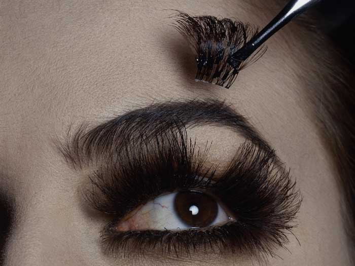 Which Is the Best Type of Eyelash Extension for Me?